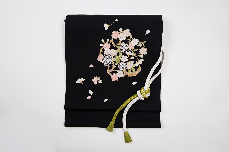 名古屋帯 塩瀬九寸帯 黒地 桜形桜枝紋